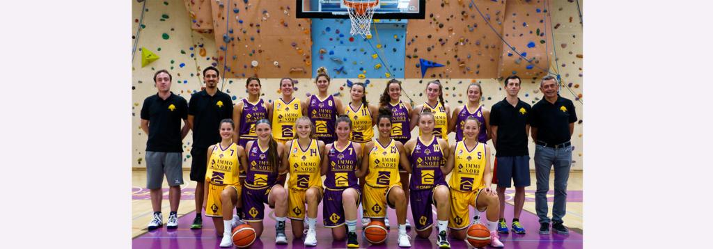 Eischten Heem Match fir eis Yellow-Purple Ladies!